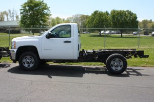 '11 Chevrolet 2500 4WD Cab and chassis 129,389 Miles
