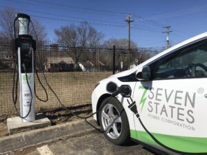 Seven States partnered with VEC and TN Tech to install EV chargers. The Seven States EV received the first charge from the dual point charger.
